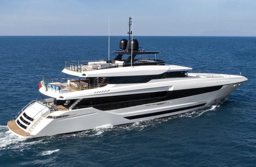 Продажа яхты Mangusta Oceano 43m